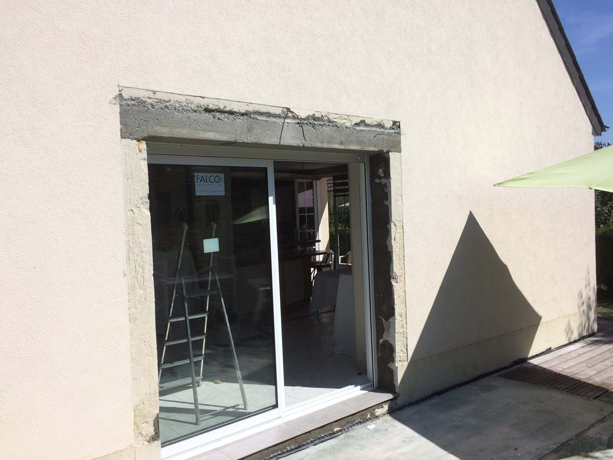 Cr ation d 39 ouverture pour baie vitr e anc construction for Construction mur porteur