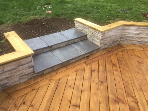 Terrasse bois et mur de retenu de terre anc construction for Mur de terrasse en bois